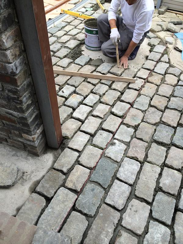 sg_entranse.stones800